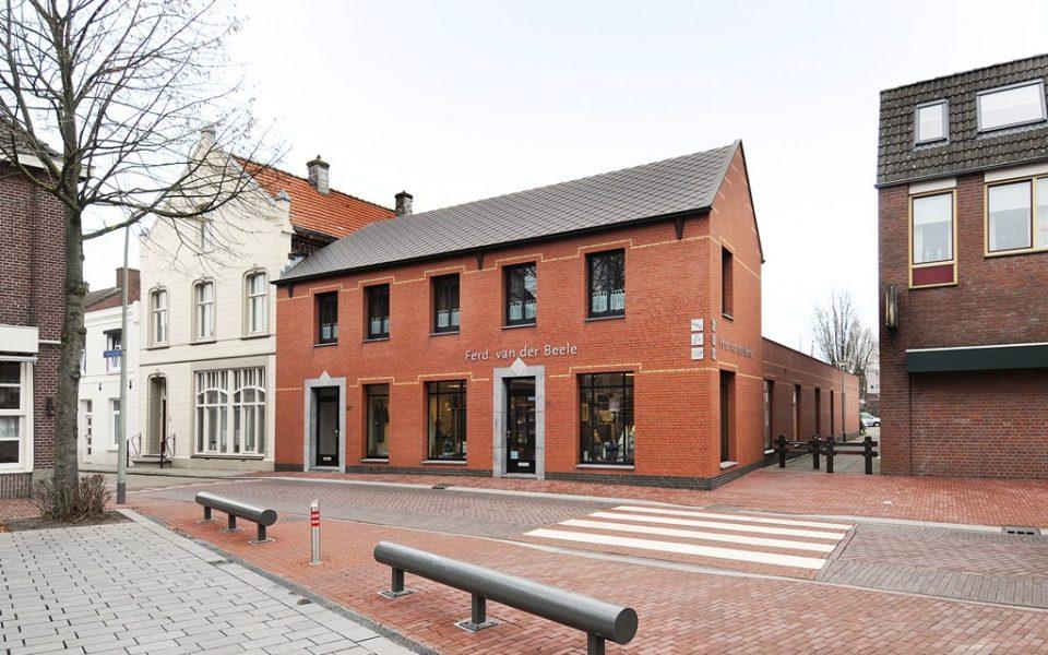 St. Lambertusplein 11-. <br> <small>5961 EW Horst </small>