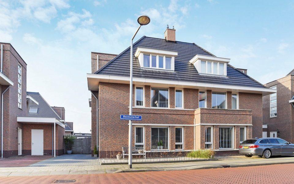 Beemsterhof 8 <br> <small>2493 XR Den Haag </small>