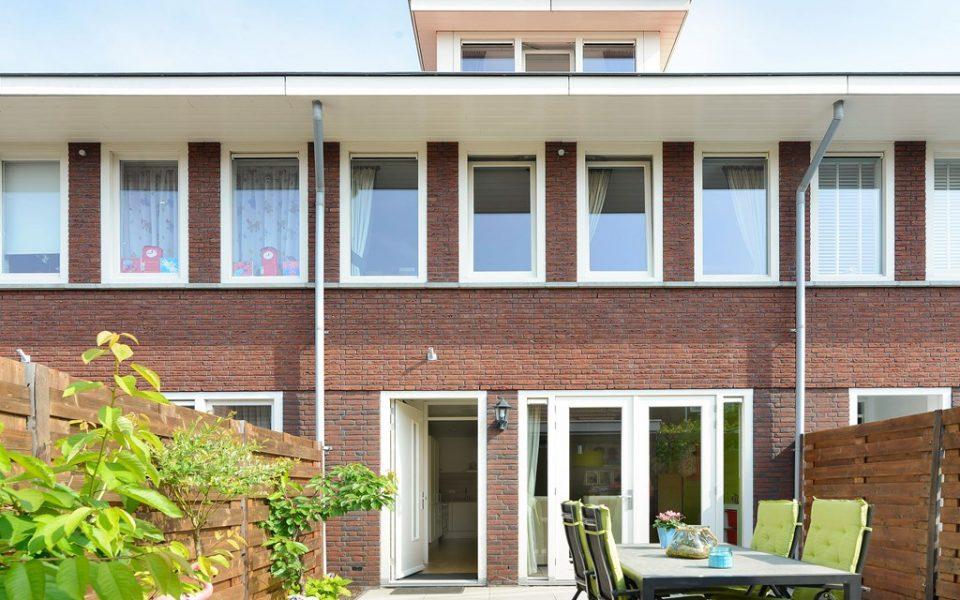 Geerpolderstraat 10 <br> <small>2493 XL Den Haag </small>