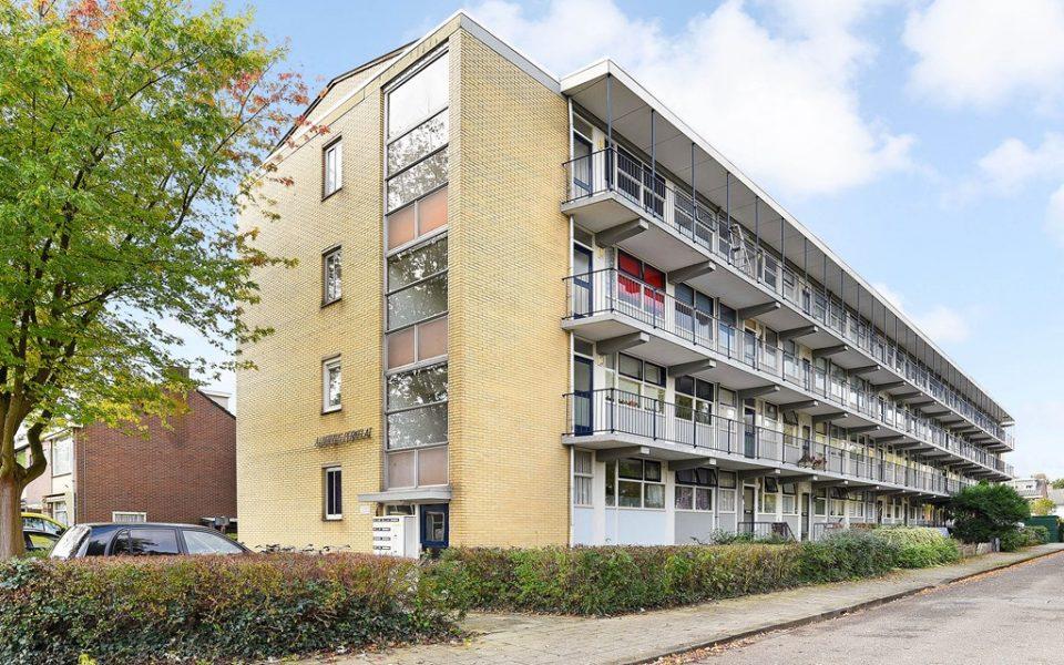 Perkstraat 17 <br> <small>2712 EJ Zoetermeer </small>