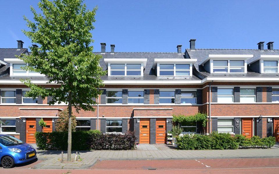 Vrouw Avenweg 143-. <br> <small>2493 WT Den Haag </small>