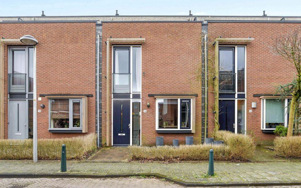 Bridgestraat 16 <br> <small>2492 WC Den Haag </small>