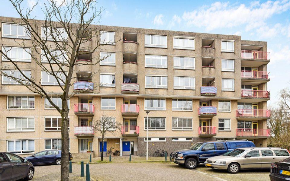 Margarethaland 451 <br> <small>2591 VD Den Haag </small>
